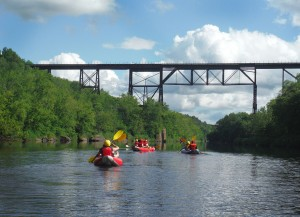 trainbridge_sandstone_kayak